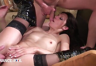 La France A Poil - Teen Slut Gets Afoul Slumberous With
