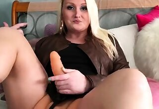 Two fat blonde chicks in double manhandle