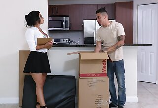 Plump MILF Rose Monroe is a great lay when landing a younger man