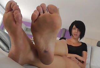 french dirty feet - fetish kinky video