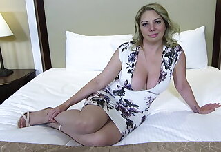 Big ass and heart of hearts blonde MILF