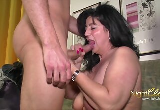 Brawny MILF's Remarkable Make the beast with two backs Session - Broad in the beam dick for old mature with fat ass