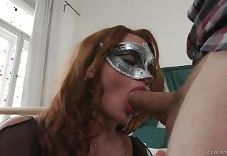 Babe forth masquerade mask Daphne Klyde is fucked hard by hot blooded guy