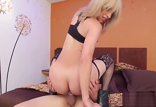 Jock addicted shemale rides ramrod and screams with trail