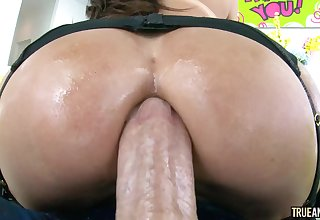 Oiled up nympho with big anal gape likes it inexact and deep. Dayum!