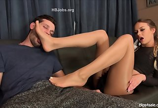 Foot Fetish act And Footjobs By Maitresse Madeline