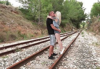 Lola Taylor fucks to her friend without clemency by the railway