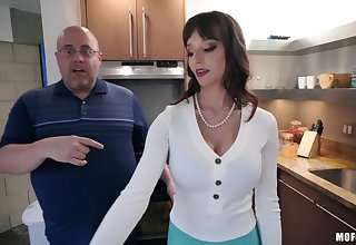 Lexi Luna rides chubby cock of Tony Rubino in the kitchen