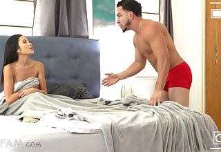 Dick crazed babe Vina Sky has been getting primarily her stepbro's nerves lately