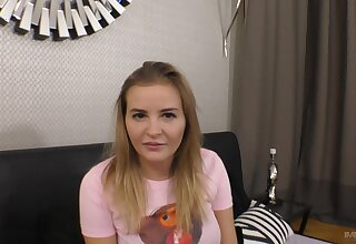 Young hottie Candy Alexa gives a great POV blow and enjoys hot sexual connection