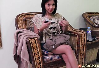 Hot and horny Thai brunette slut Jenny Ciara demonstrates acquiescent cock riding faculty