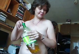 This mature Russian woman turns me on big time plus she gives good head